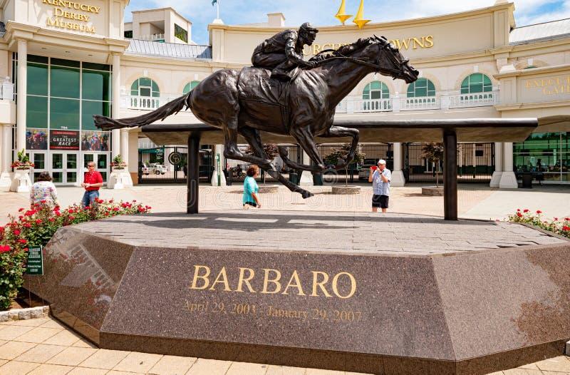 Statue de Barbaro chez Churchill Downs à Louisville - à LOUISVILLE LES ETATS-UNIS - 14 JUIN 2019 photo stock