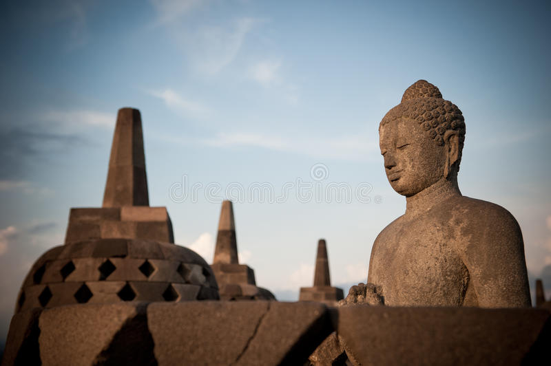 Statue de Bouddha au temple de Borobudur, Java, Indonésie photo stock