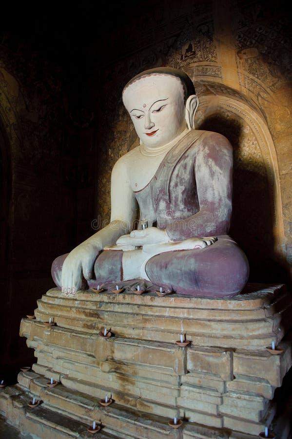Statue de Bouddha, Bagan, Myanmar photographie stock libre de droits