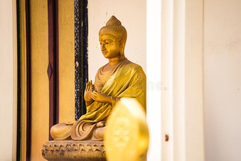 Statue de Bouddha dans le temple image libre de droits