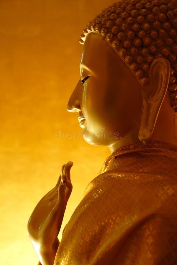 Statue de Bouddha dans un geste de enseignement image stock