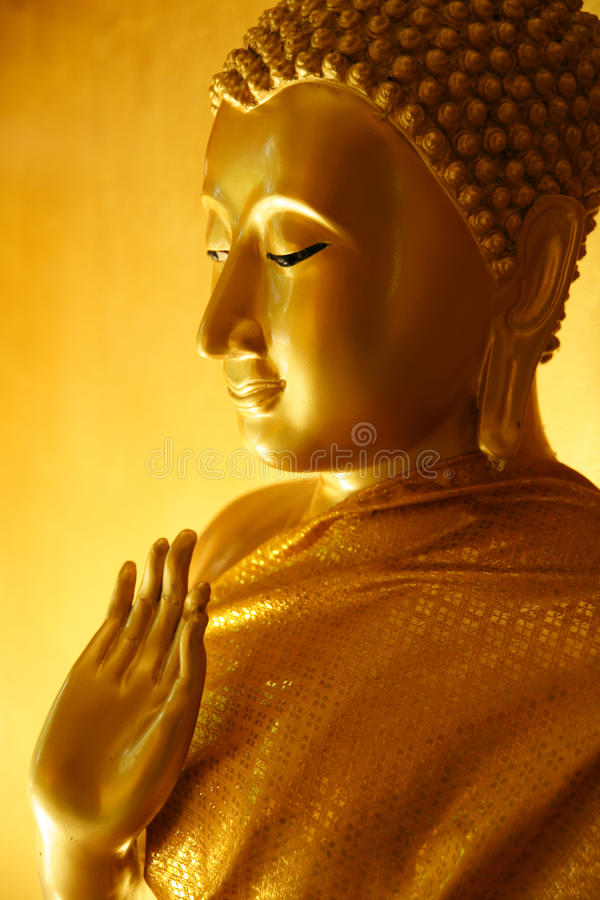 Statue de Bouddha dans un geste de enseignement photographie stock
