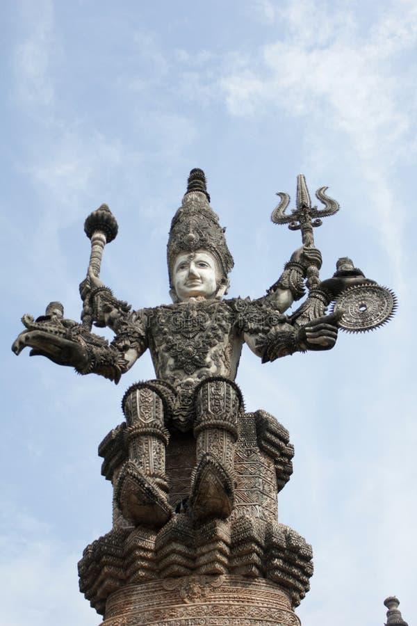Statue de Bouddha et statue d'ange image libre de droits
