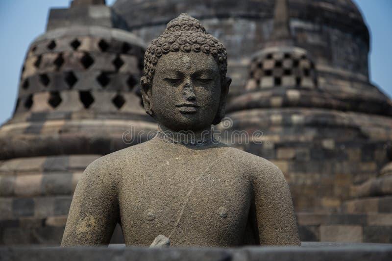 Statue de Bouddha sur le temple de Borobudur, Yogyakarta, Java, Indonésie photo libre de droits