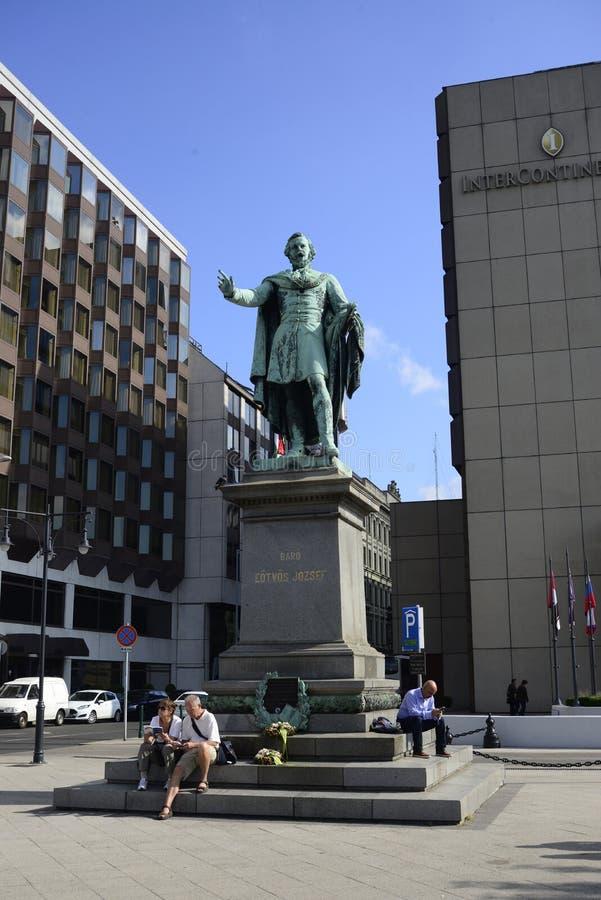 Statue de Budapest de Jozsef Eotvos photos stock