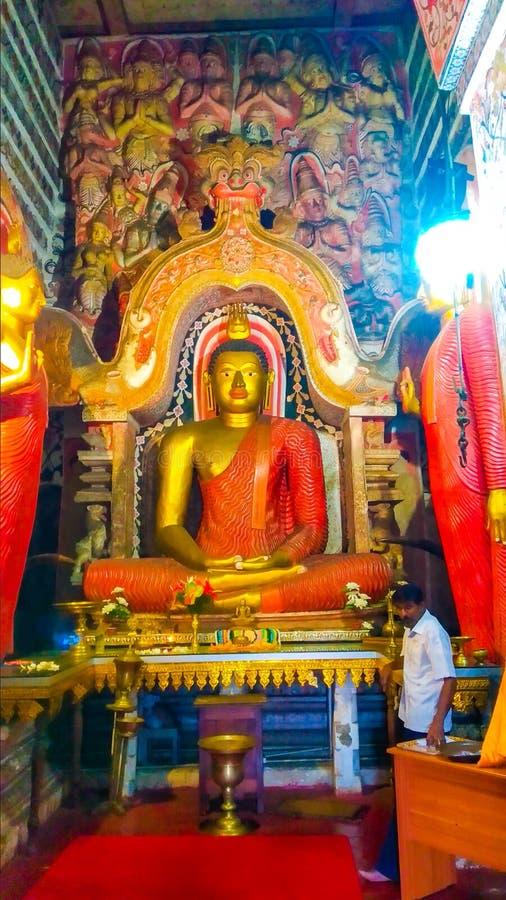 Statue de Buddhas de temple antique photo stock