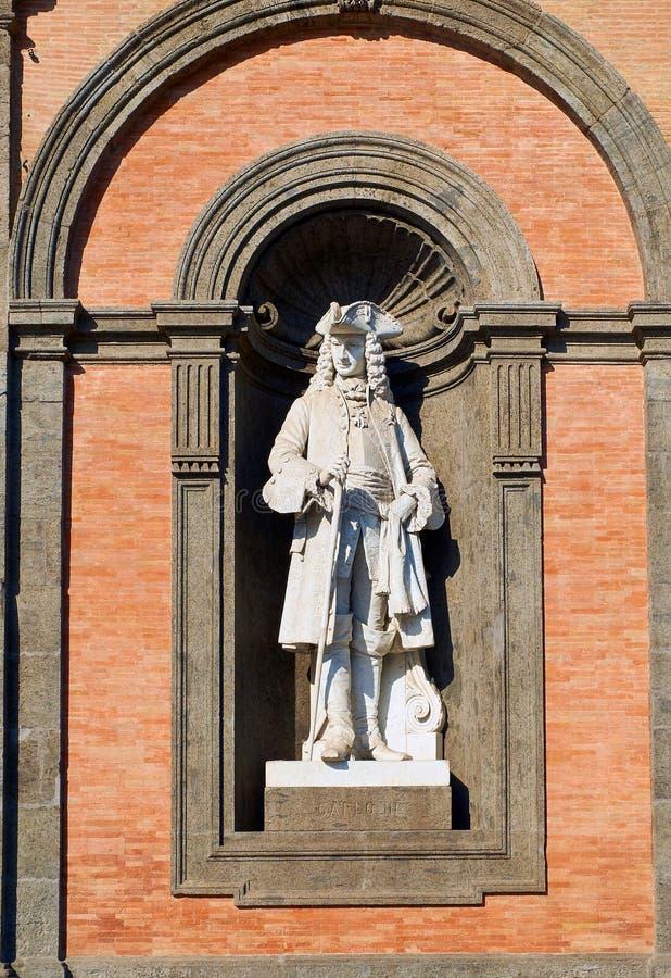 Statue de Carlo III en Di Napoli de Palazzo Reale Campanie, Italie image libre de droits
