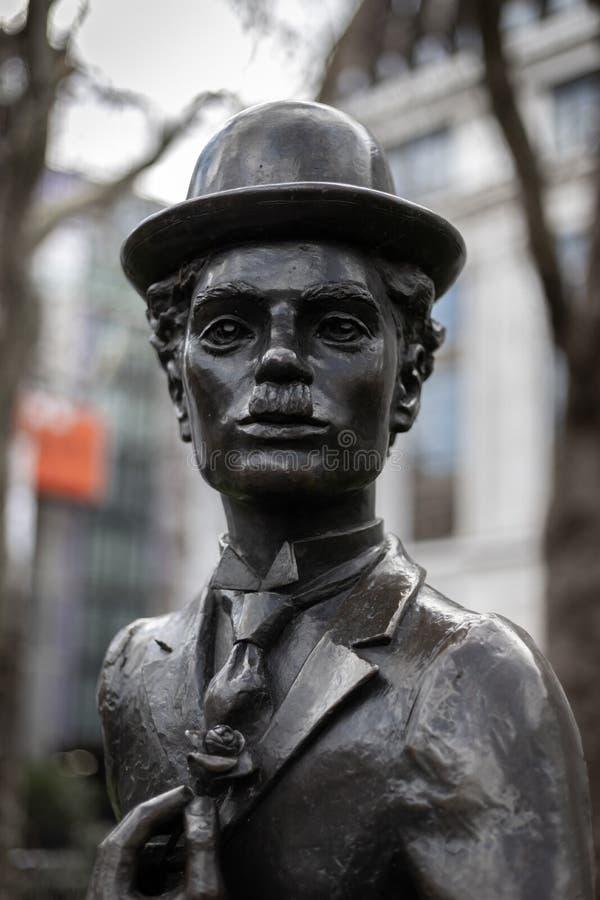 Statue de Charlie Chaplin dans la place Londres de Leicester le 11 mars 2019 photos libres de droits