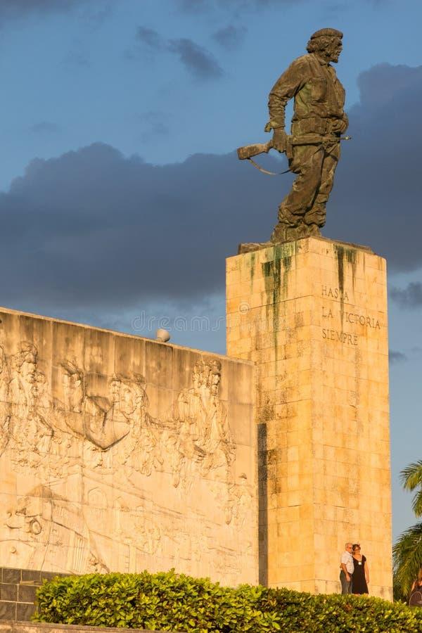 Statue de Che Guevara dans le mémorial et le musée dans Santa Clara cuba photos stock