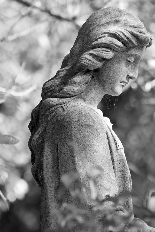 Statue de cimetière image libre de droits