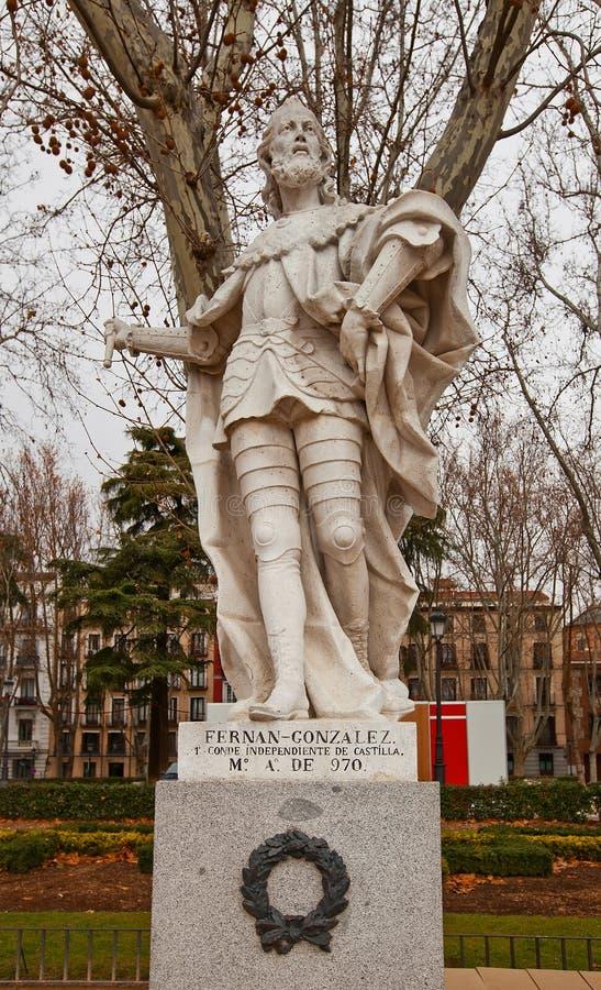 Statue de compte Fernan Gonzalez (vers 1753).  Madrid, Espagne photos stock