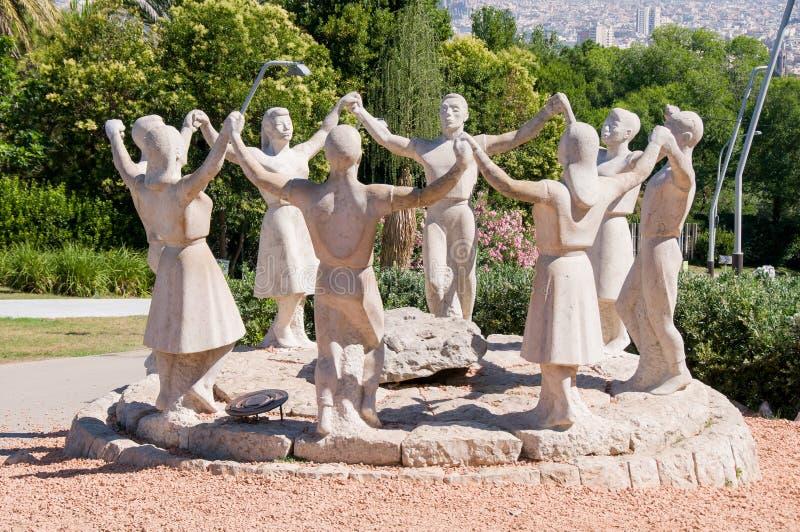 Statue de danseurs de Sardana photo stock