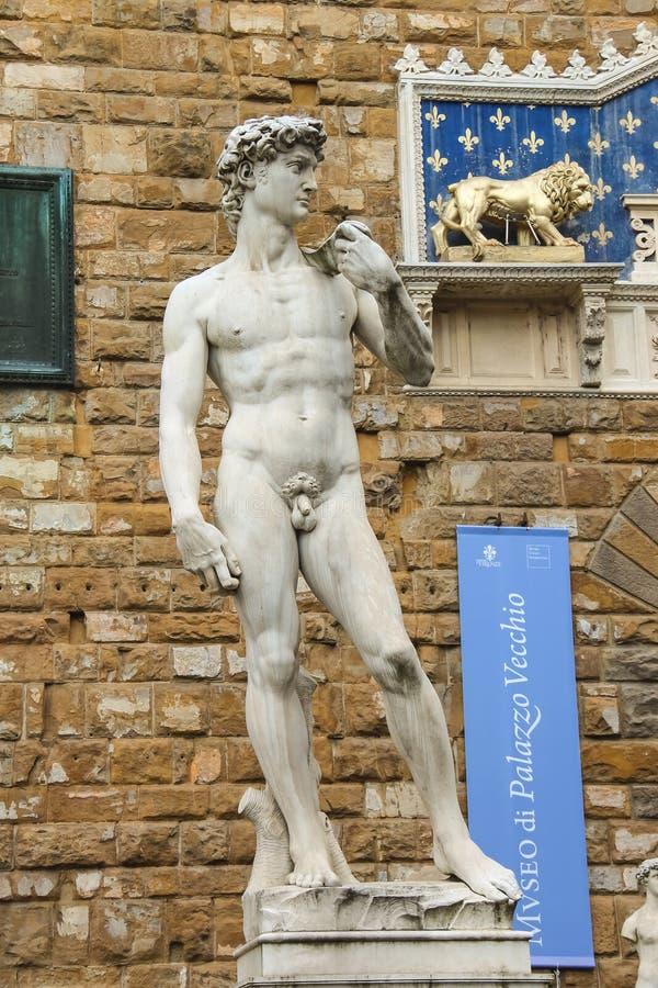 Statue de David de Michaël Angelo près du musée Palazzo Vecchio image libre de droits