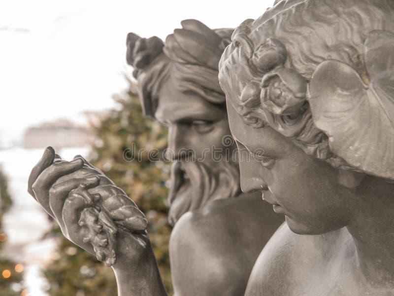 Statue de Dieu et de déesse photos stock