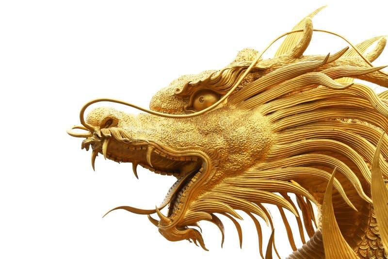 Statue de dragon d'or dans le temple chinois photographie stock