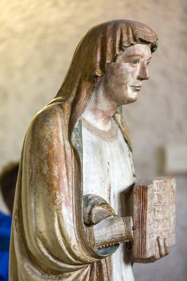 Statue de femme dans le musée de Castelvecchio Vérone, images stock