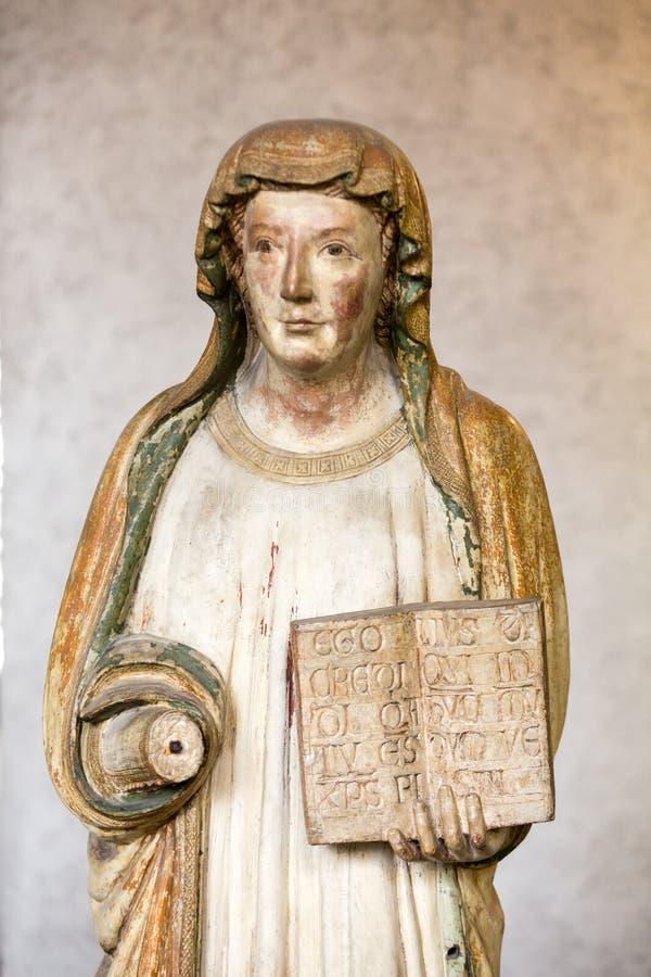 Statue de femme dans le musée de Castelvecchio vérone photo libre de droits