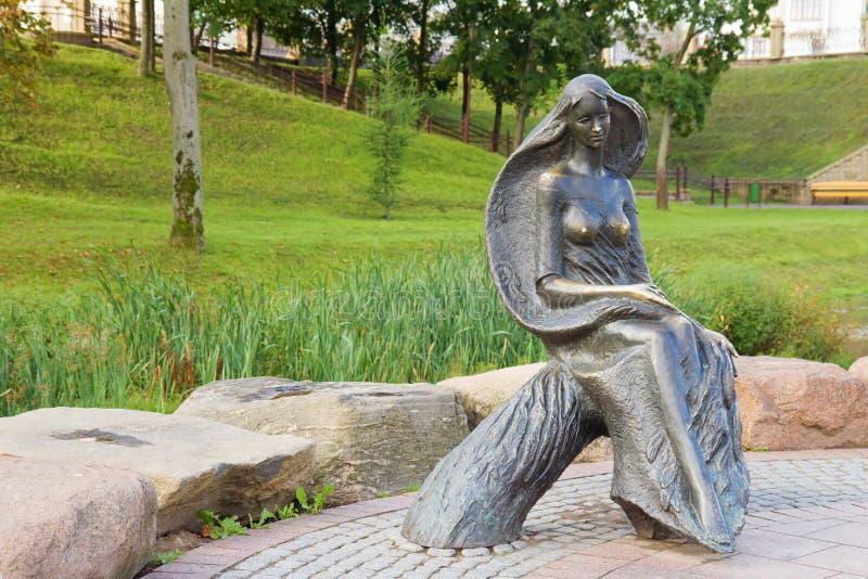 Statue de femme en parc, Grodno, Belarus photographie stock libre de droits