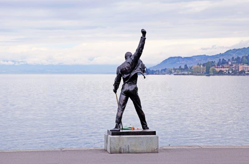 Statue de Freddie Mercury sur le bord de mer du lac geneva, Montreux, S images libres de droits