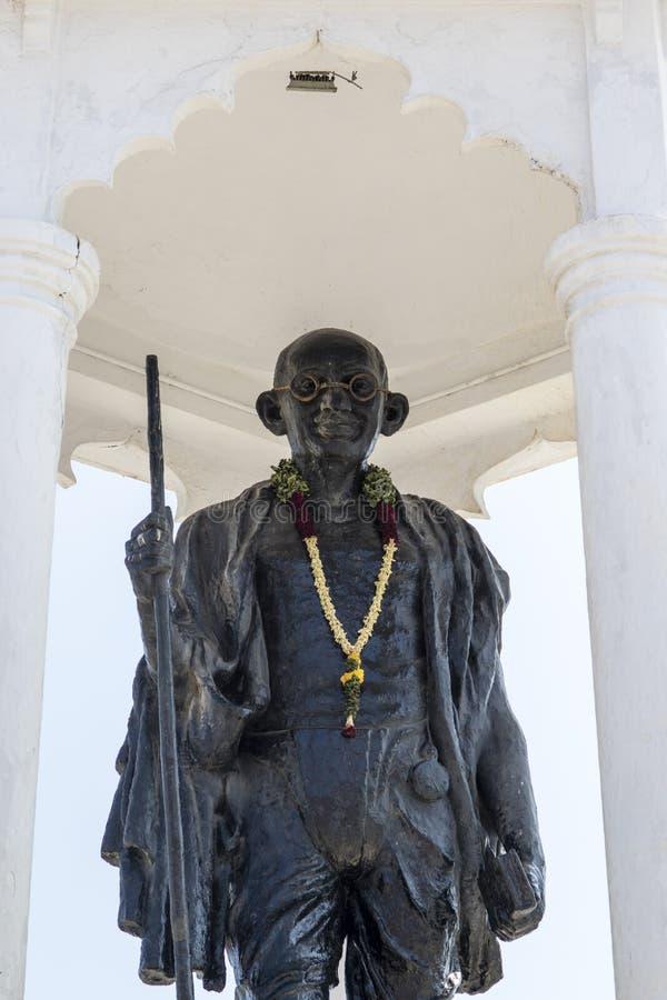 Statue de Gandhi dans Pondicherry (Puducherry), Tamil Nadu dans l'Inde images stock