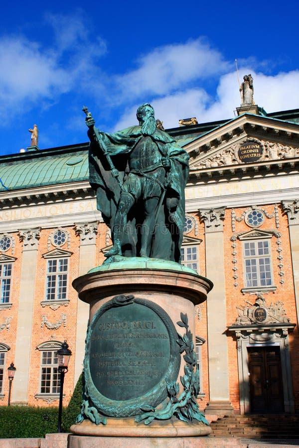 Statue de Gustavo Erici devant la Chambre de Riddarhuset de Nobili images libres de droits