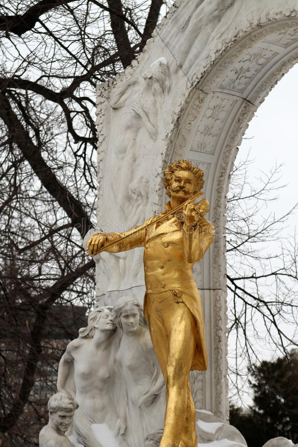 Statue de Johann Strauss dans le stadtpark à Vienne, Autriche photo libre de droits