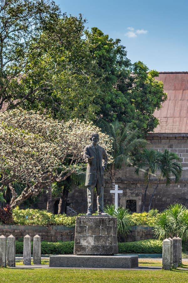 Statue de José Rizal sur les Plazs de Armas à Fort Santiago, Manille Philippines photographie stock