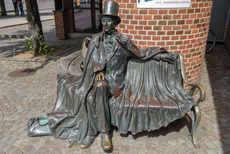 Statue de l'auteur H C Andersen à Odense sur le Danemark photo stock