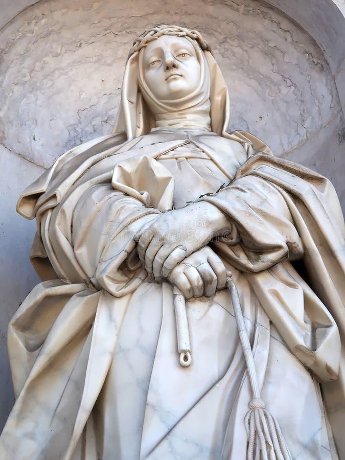 Statue de la basilique DA Estrela ? Lisbonne photographie stock libre de droits