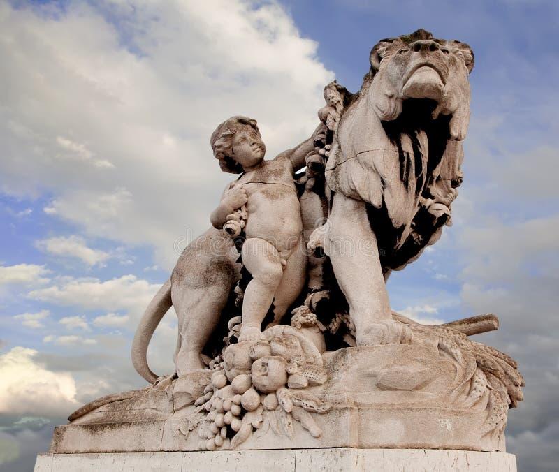 statue de la France III Paris de passerelle d'Alexandre image libre de droits