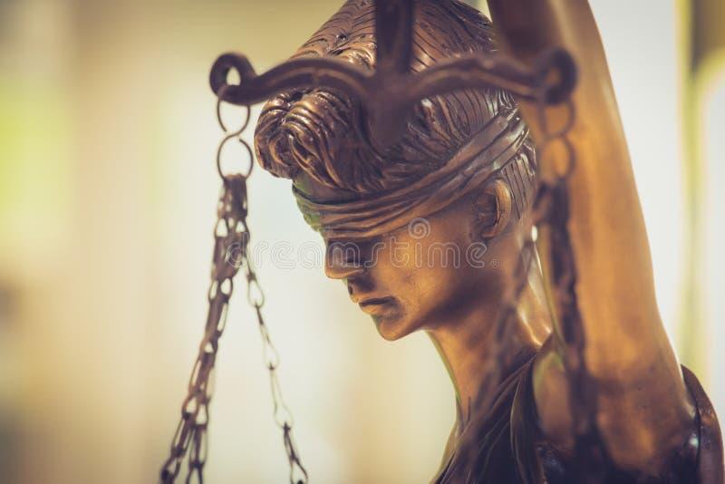 Statue de la justice Closeuse de la justice image stock