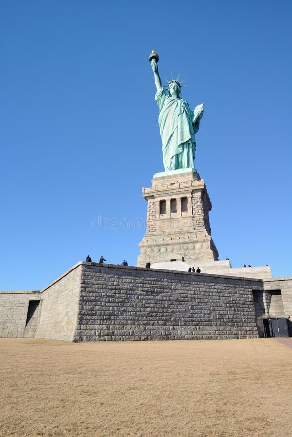 Statue de la liberté à pleine vue image stock