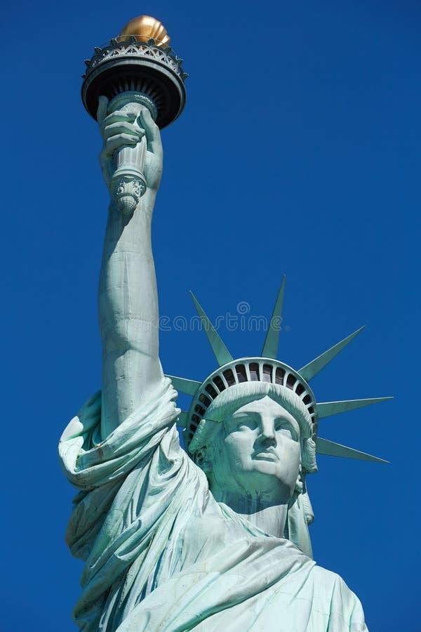 Statue de la liberté, ciel bleu à New York image stock
