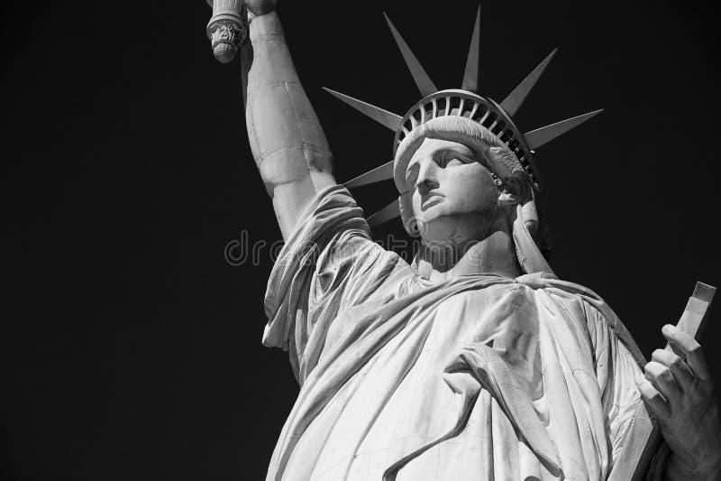 Statue de la liberté en noir et blanc à New York photographie stock