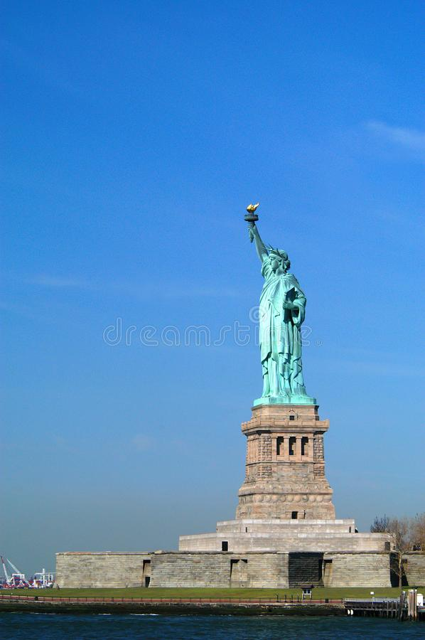 Statue de la liberté, port de New York de ferry image stock