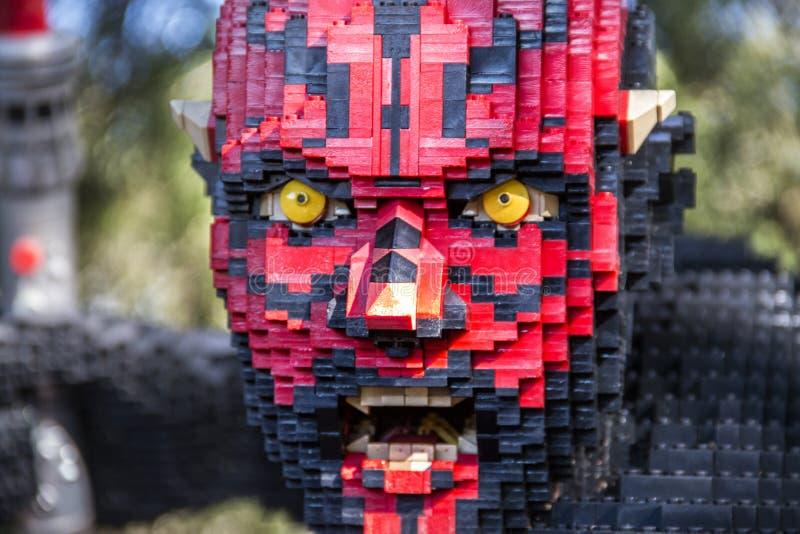 Statue de lego de Darth Maul chez Legoland la Floride photos libres de droits