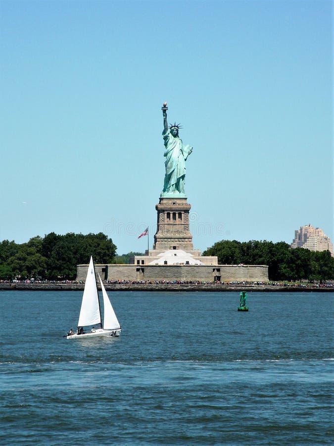 Statue de Liberty Seen de port photographie stock libre de droits