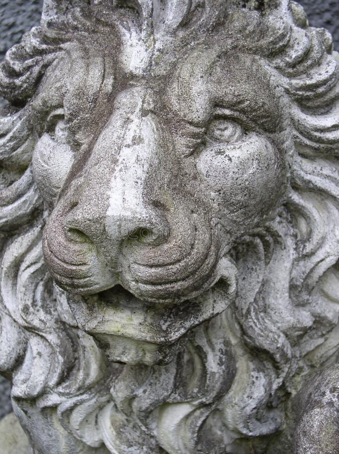 Statue De Lion Photographie stock libre de droits