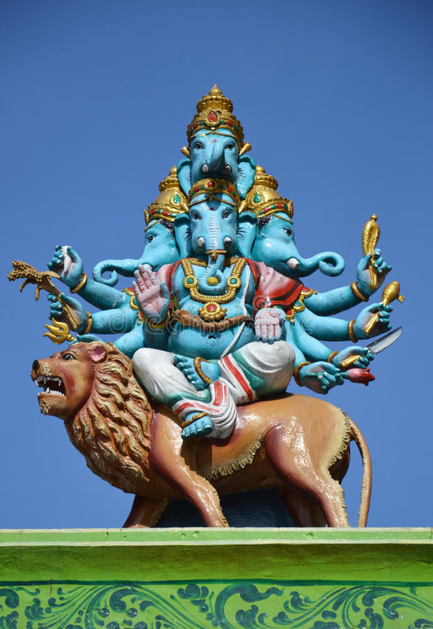 Statue de Lord Ganesh aux cavernes de Batu image stock