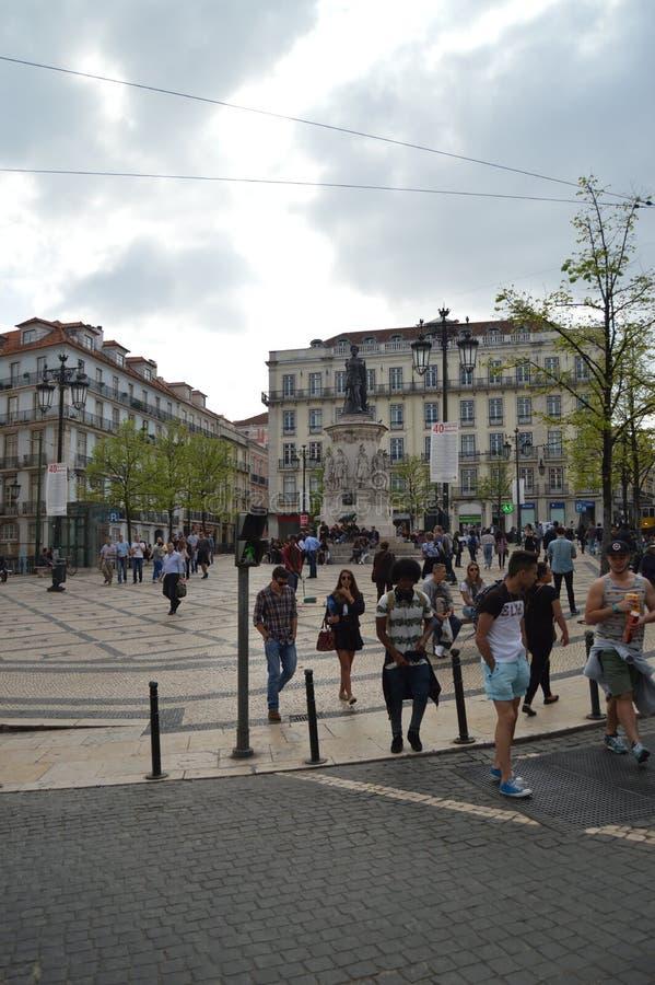 Statue de Luis Of Camoes Square With A du même conquérant à Lisbonne Nature, architecture, histoire, photographie de rue 11 avril images stock