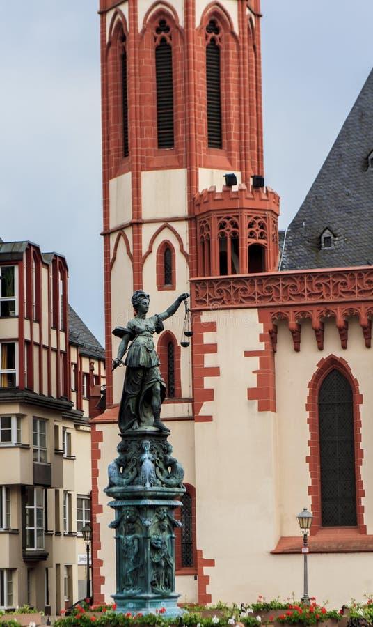 Statue de Madame Justice à Francfort image stock