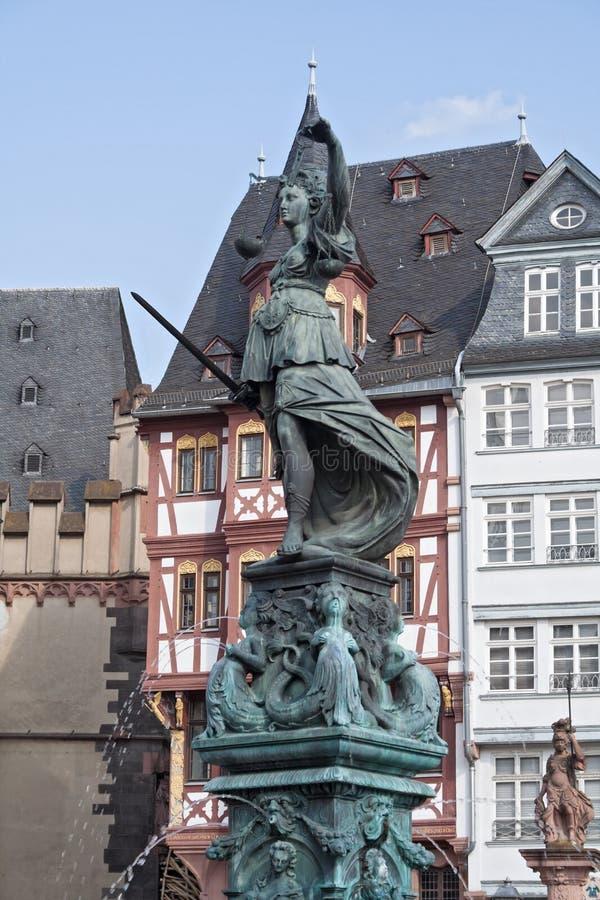 Statue de Madame Justice à Francfort images stock