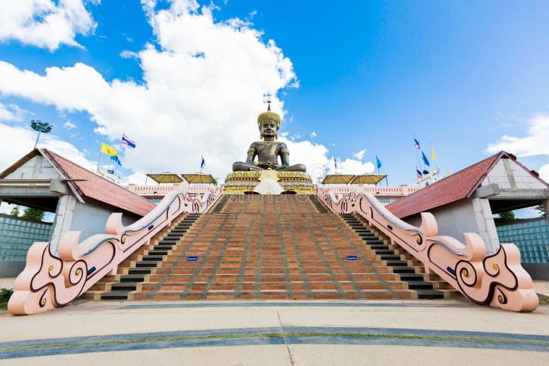 Statue de mahatammaracha de Bouddha dans Phetchaboon Thaïlande photo stock