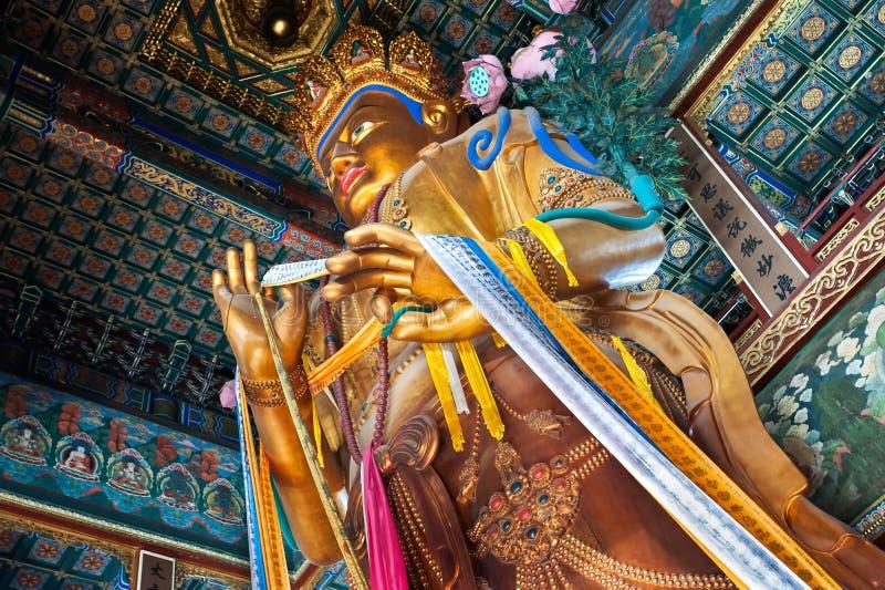 Statue de Maitreya Bouddha dans le Hall du bonheur illimité, Lama Temple, Pékin photos stock