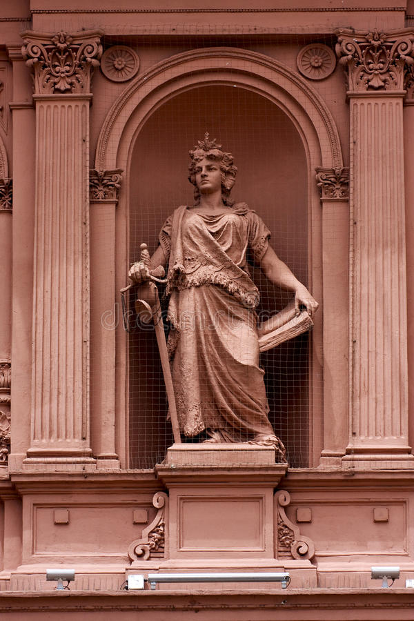 Statue de marbre rose photos stock