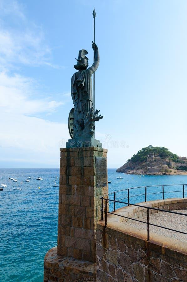 Statue de Minerva sur le remblai de Tossa de Mar, Costa Brava, Espagne photo libre de droits