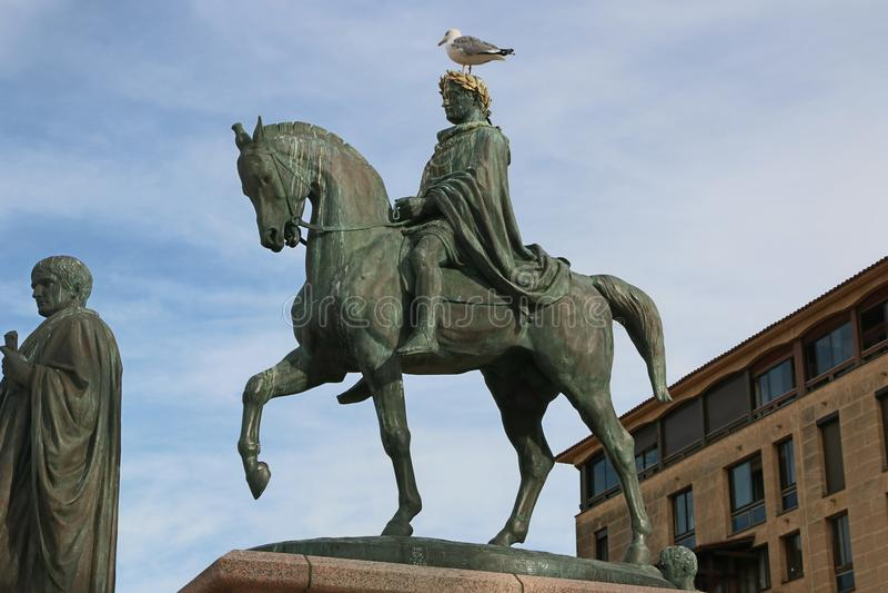 Statue de Napoleon Bonaparte sur un cheval dans la place de Diamant, Ajaccio, Corse, France image libre de droits
