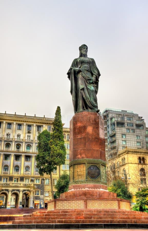 Statue de Nizami Ganjavi à Bakou photo stock
