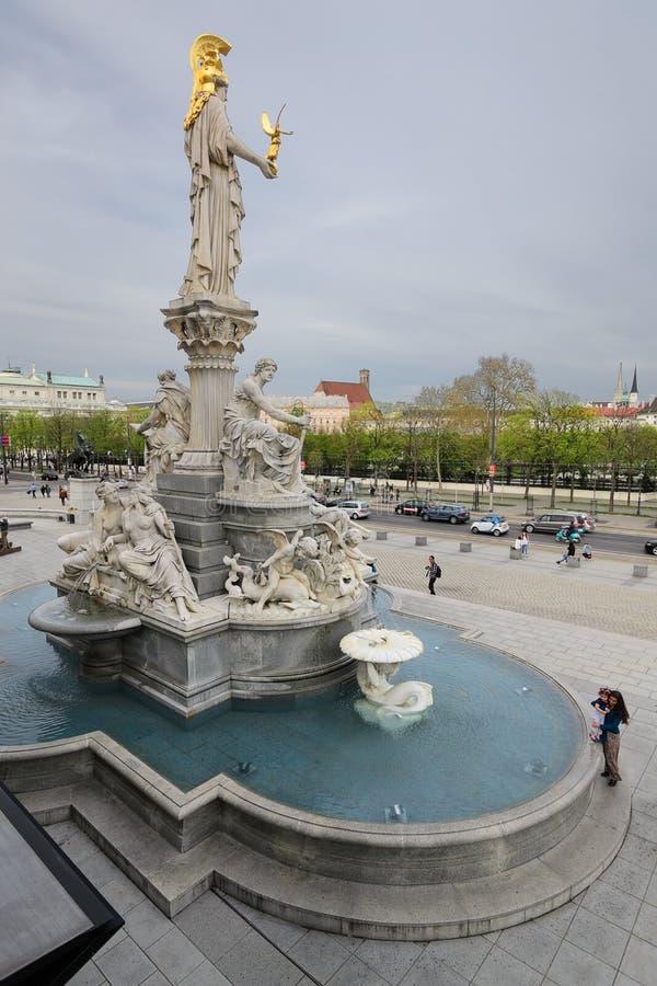 Statue de Pallas Athena Brunnen photo stock