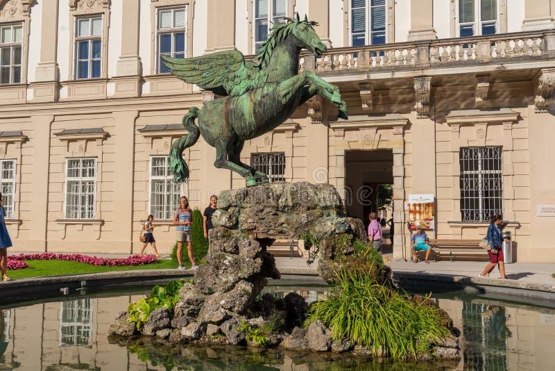 Statue de Pegasus dans des jardins de Mirabel à Salzbourg image libre de droits